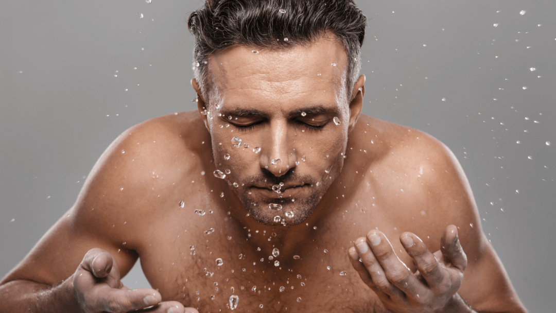 5 Best Facewash for Men in India (2021)