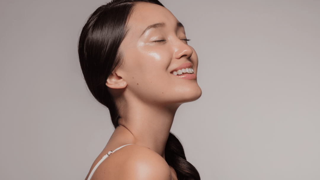 How to Get Glowing Skin: 5 Best Natural Tips
